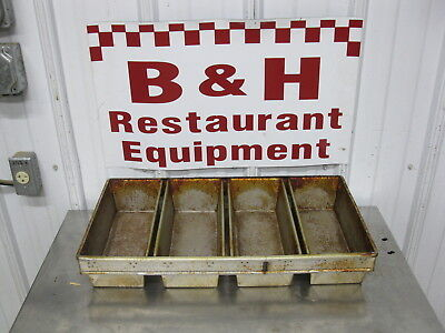 Chicago Metallic B4476 Bakery 4 Strap Section Bread Loaf Baking Pans