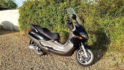 Piaggio X9 250cc 2001 Black & Grey moped scooter Spares or repair