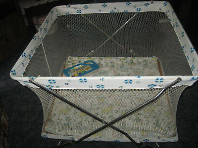 vintage 37&1/2 X 37&1/2 square mesh playpen crib with quilt! & free toy! pick up