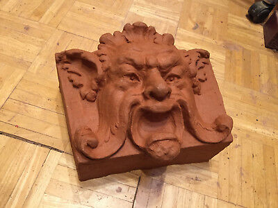 Hand-pressed kiln fired Terracotta Greenman grotesque keystone Nr.285