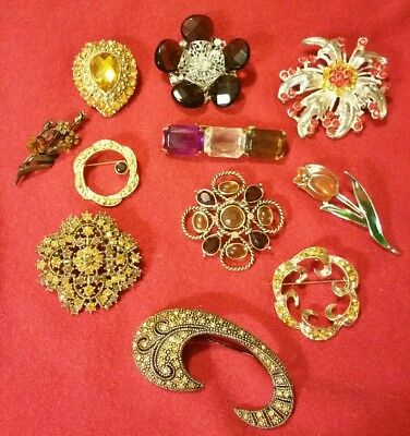 Amazing LOT of 11 VINTAGE Antique AMBER/GOLD RHINESTONE Studded BROOCHES Pins