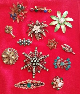 FANTASTIC LOT of 13 VINTAGE Mixed Styles GREEN RHINESTONE Studded BROOCHES Pins
