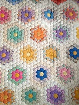 Antique Handmade Grandmas Flower Garden Quilt Stitched Vintage Hexagon Patch
