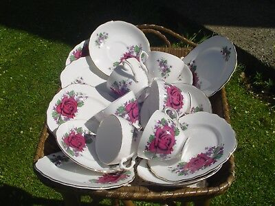 Vintage Tea Set Royal Vale 18 Piece