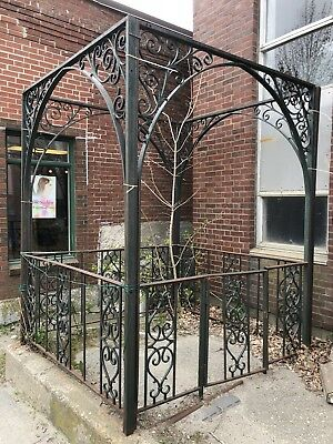 Vintage Wrought Iron Gazebo --- architectural fEnCe gAtE gArDeN aNtIqUe uRn cAsT