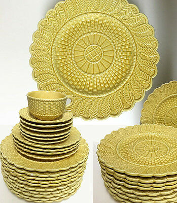 Rare Bordallo Pinheiro Set of Yellow Fern Leaf Basketweave Salad Dinner Plates & RARE BORDALLO Pinheiro Set of Yellow Fern Leaf Basketweave Salad ...