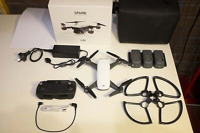 🚁🚁 DJI SPARK Fly More Combo - UNDER WARRANTY - Alpine White 🚁🚁