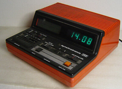vtg 70s Space Age red Radio alarm clock ITT synchrotronic 109