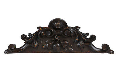 19th Century French Renaissance-style Carved Pediment made of Walnut Wood