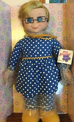 Vintage Mrs.Beasley Talking Doll New in Box 2000 Cheryl Ladd Voice Family Affair