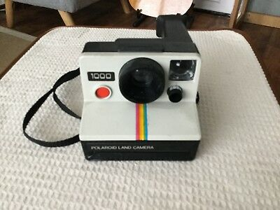 Polaroid 1000 Land Camera Instant - VGC with original packaging . Untested