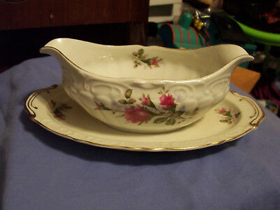 Fine China L&m Pompadour Moss Rose Gravy Boat With Attached Liner Made In Japan