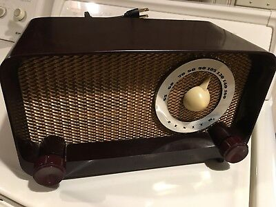vintage  radio  Zenith model G-510 -chassis no. 5G02