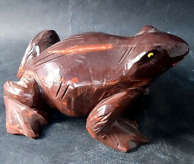 Grenouille en Jaspe Rouge sculpture en pierre 140x90mm