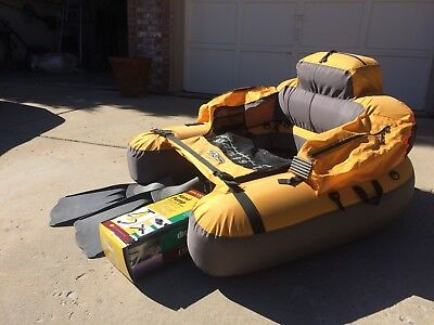 """ADULT FISHING FLOAT TUBE,  46""""x 42""""x 20"""".  USED ONLY TWICE !! QUALITY FLIPPERS"""
