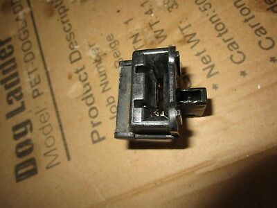 evinrude Johnson outboard  Upper to lower cover  latch 5hp 8hp 6hp
