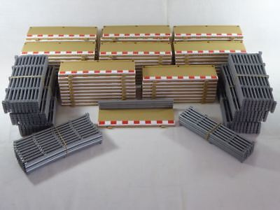 Scalextric (79pcs.) Half Straight Borders & Fences C8223/L8681/L8687 (SO2684)