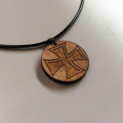 body abstract jewellery s uk wooden necklace hadiah display hand man carved mans