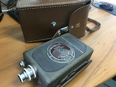 VINTAGE BELL & HOWELL FILMCO AUTO LOAD SPEEDSTER CAMERA 16MM with original case
