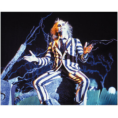 Beetlejuice Michael Keaton arms outstretched on tombstone 8 x 10 Inch Photo
