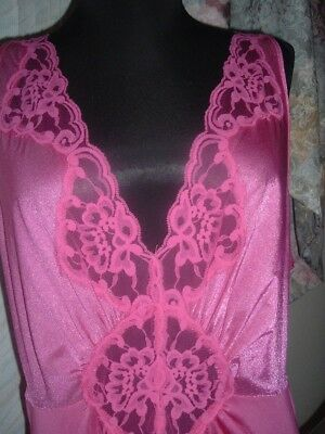 Vintage Gorgeous Vanity Fair Hot pink nightgown Gown Sz XL 1X 2X Bust46 Olga-ish