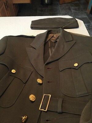 WW2 US Officer Tunic And Overseas Cap