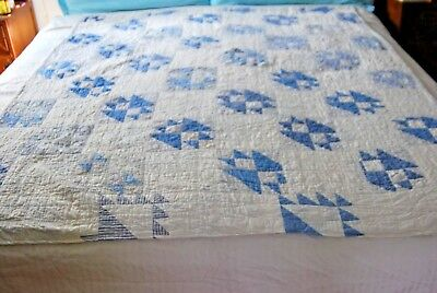 """ANTIQUE VINTAGE BLUE AND WHITE HAND MADE, MACHINE STITCHED 60"""" x 70"""" QUILT"""