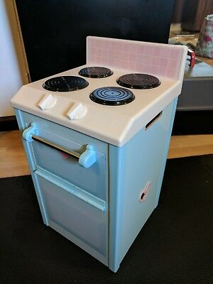 playskool play stove, toy kitchen, pretend to cook, imaginative play