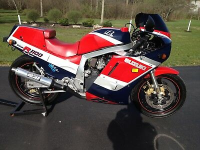 1986 Suzuki GSX-R  1986 Suzuki GSX-R1100. One Owner, Low Low mileage
