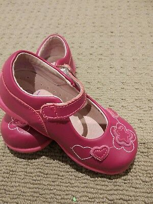 Gorgeous Betts girls leather shoes, size 6 Australia , raspberry pink as new