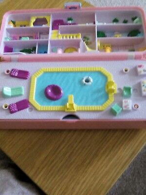 Vintage polly pocket beach party hotel