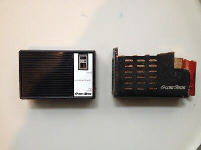 Poste radio Pizon Bros micro pocket transistor avec protection 1966 ?