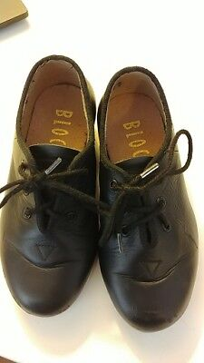 Bloch Tap shoes - Boys (or girls) - Size 9 - Leather Lace Up