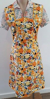 Vintage 70s YELLOW GOLD Cotton FLORAL Pinafore Kitchen APRON w Pockets