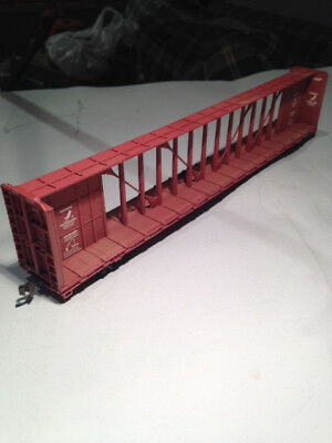 HO Scale , Walthers 72' Centre Beam Flat car, Union Pacific road