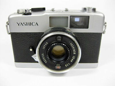 Vintage Yashica 35-Me / 35Mm Film Camera / Yashinon 38Mm Lens / Made In Japan