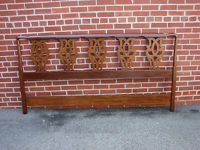 Henkel Harris Chippendale Mahogany King Size Headboard Bed