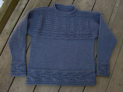 Mens Used Old Unbranded Sweater (Small Rips)