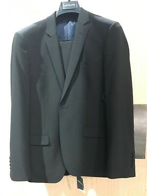 Genuine size 38 Tarocash Black benson slim fit single button suit. Was $299!!