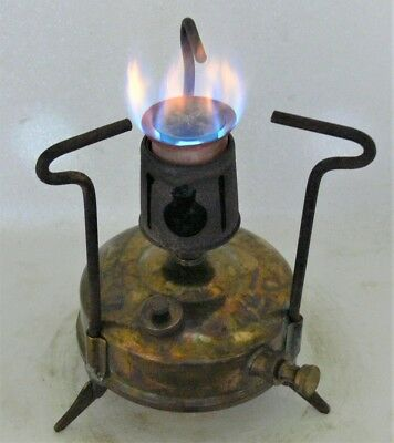 Small Optimus No 00 kerosene primus stove in a carry case with accs, burns good.