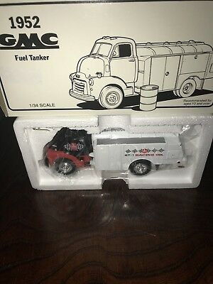 1952 Gmc Fuel Tanker Kendall Motor Oil 1/34 Scale Coin Bank New In Box Die Cast