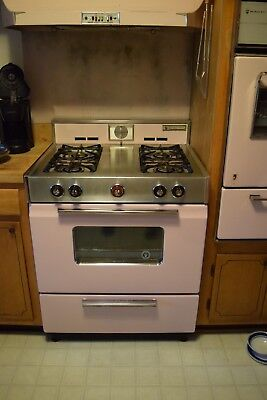 Beautiful PINK Vintage Gas Magic Chef 4 Burner stove & Oven EVERYTHING WORKS!