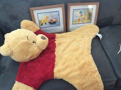 Lot Of Winnie The Pooh Rug / Wall Hanging And Pair Of Prints