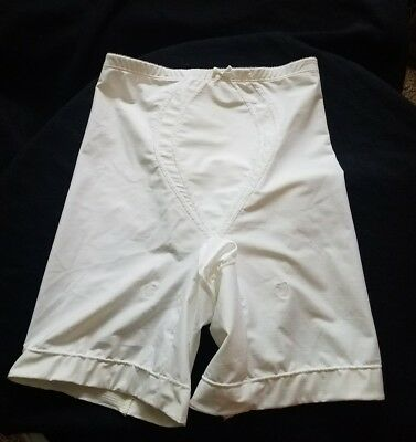 Vtg Warners Full Control Girdle- Long Legs with Garter – White Style 653 Size L