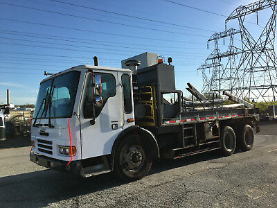 2005 Freightliner Condor Tandem Reel Loader Carrier Cab & Chassis Diesel Auto AC