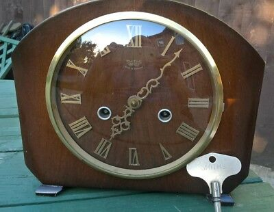 Smiths striking mantel clock from the mid fifties Fully working Original key
