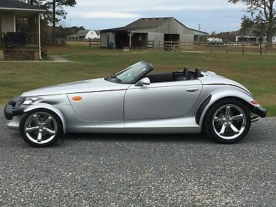 2001 Plymouth Prowler  2001 Plymouth Prowler with trailer