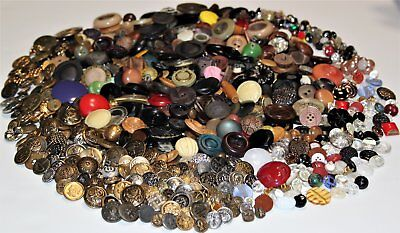 750 Piece Lot of Antique and Vintage Sewing Buttons