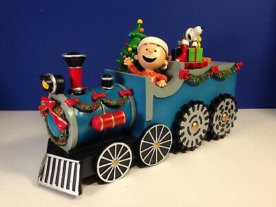 Snoopy Peanuts CHARLIE BROWN CHRISTMAS TRAIN MUSICAL & ANIMATED
