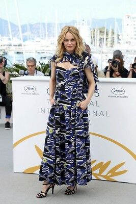 VANESSA PARADIS  ~ festival CANNES 2018 -  PHOTO 10X15 - Marches et Photocall 07